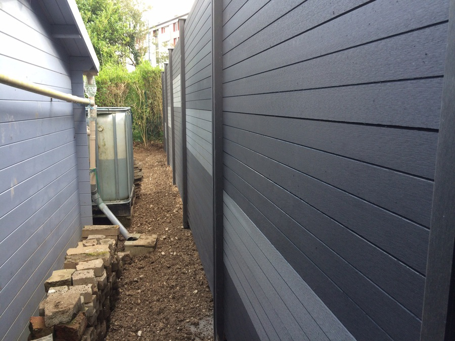Jardin net paysagiste vente cl ture pose de cl tures for Habillage mur cloture